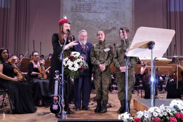 Katy Carr post Wstega Pamieci concert 11.11.2017 at Krakow Filharmonia